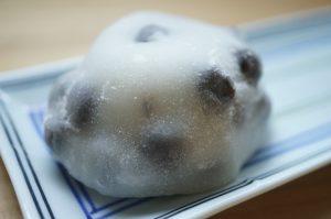 新宿高島屋銘菓百選で買った、出町ふたば豆餅っ子三兄弟(丹波黒豆大福)