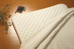 おすすめのベッドパッド。洗濯やセットも簡単で、ほこりやシワ知らず