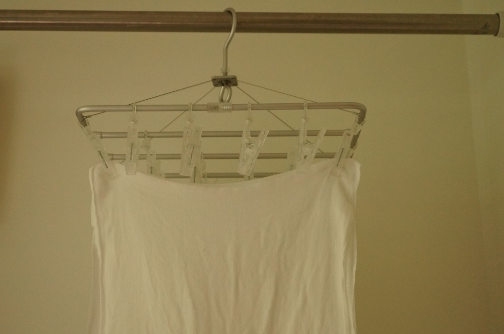 洗濯物の干し方のコツ2-洗濯物をできるだけたるませない。
