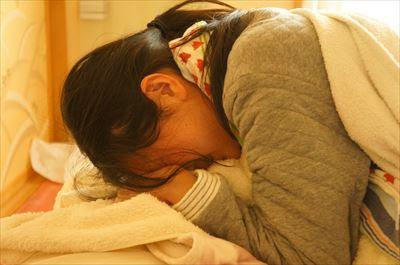 後陣痛の子宮収縮はいつから?産後直後から数日間は痛みが続く(よもぎ蒸しで効果アップ)
