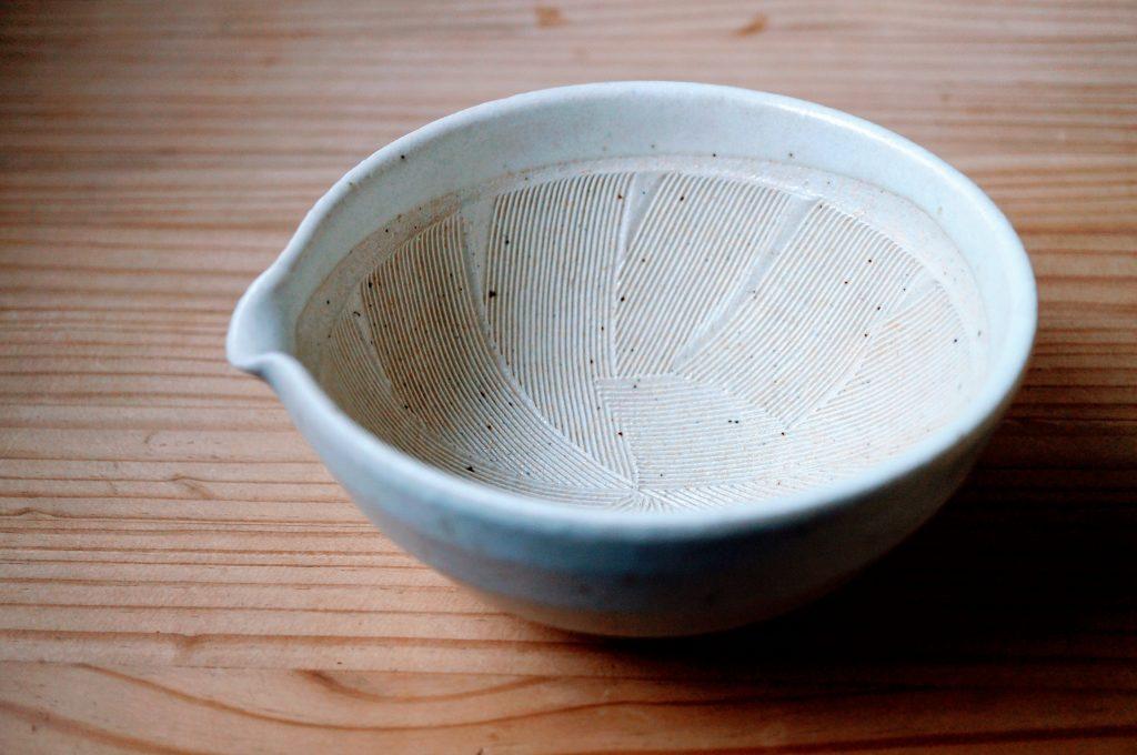 おしゃれなすり鉢とすりこぎ。離乳食にも白和えにもおすすめの大きさ