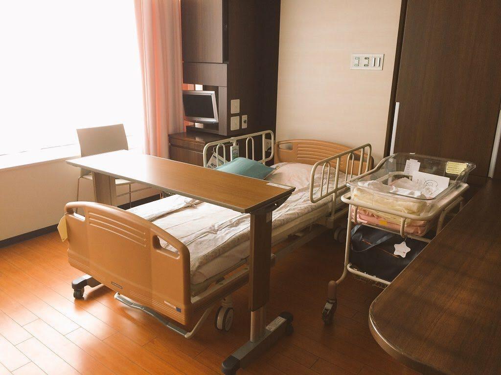 日本赤十字病院(広尾日赤)の産科の大部屋 差額15000円の部屋