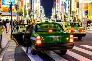 5人目の立会い出産の様子 深夜にタクシーに乗って病院に駆けつけるところ