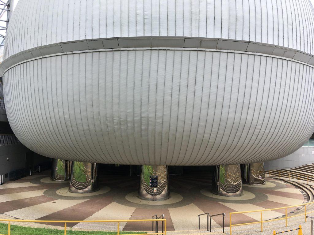 多摩六都科学館のプラネタリウム「サイエンスエッグ」